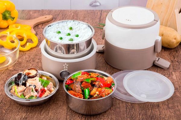 Dùng hộp cơm giữ nhiệt giúp cho bạn có một bữa cơm ấm nóng ngay buổi trưa mệt nỏi