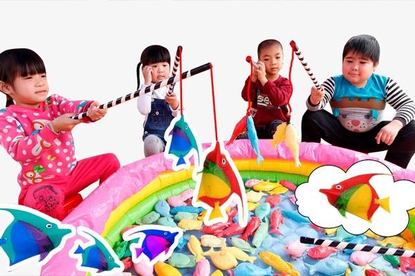 Bộ đồ chơi câu cá phù hợp với những bé từ 2 tuổi trở lên