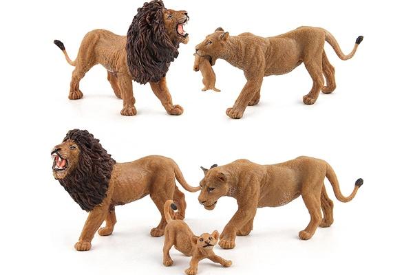 Đồ chơi gia đình sư tử của Schleich