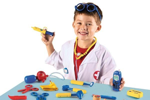 Các bậc phụ huynh lên lựa chọn những món đồ hơi ít dụng cụ để bé thích nghi dần