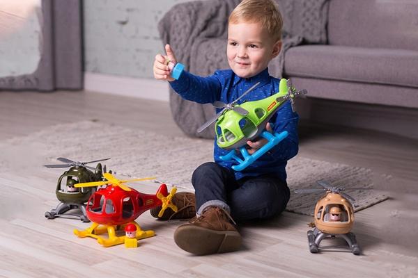 Máy bay trực thăng Bumblebee Polesie là món quà hữu ích dành cho trẻ nhỏ