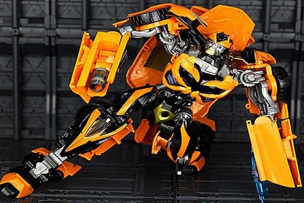 Xe robot biến hình Transformers BumbleBee 6699 - 5D
